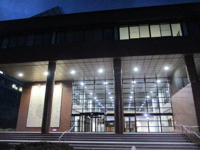宮崎大学 図書館(正面玄関)